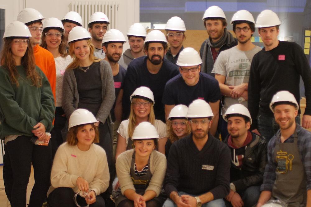 Architekten mit Helm